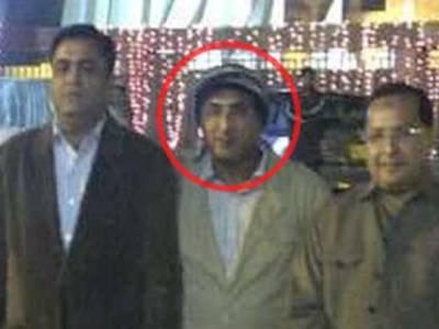 سانحہ بلدیہ ٹاﺅن کے مرکزی ملزم رحمان بھولا کو ایف آئی اے کی دو رکنی ٹیم لے کر کراچی پہنچ گئی