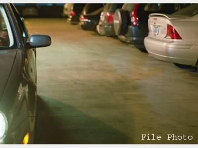 آدمی پارکنگ لاٹ میں اپنی گاڑی پارک کرکے بھول گیا، 6ماہ مسلسل تلاش کے بعد بالآخر کہاں سے اور کیسے ملی؟ جان کر آپ کو بھی ہنسی آجائے گی