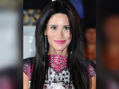 سوشل میڈیا پر مسلمانوں کے خلاف زہر اُگلنے والی معروف اداکارہ کو اس حرکت کا صلہ مل گیا، بے حد بڑا نقصان ہوگیا