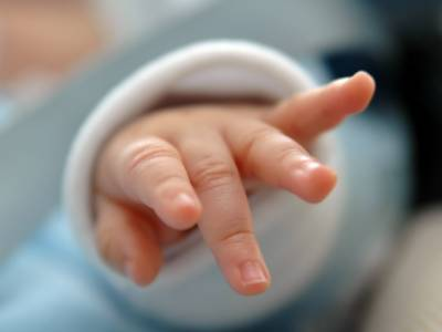 خاتون نے رکشے میں بچے کو جنم دے دیا