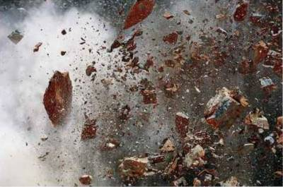 بھارت میں دھماکہ ،دو سیکیورٹی اہلکار زخمی