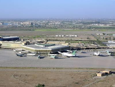 کراچی ائیرپورٹ پر لینڈنگ کے دوران طیارے کا ٹائر پھٹ گیا
