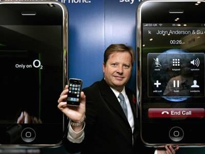 ' آپ کے فون کے ذریعے چپکے چپکے آپ کے ساتھ یہ انتہائی شرمناک کام کیا جارہا ہے ' معروف ترین موبائل کمپنی کے سربراہ کا ایسا تہلکہ خیز انکشاف کہ جان کر آپ کو اپنے فون سے ہی ڈر لگنے لگے گا