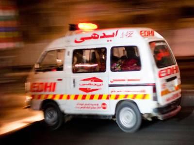 بلوچ آباد سٹاپ کے قریب ایمبولینس اور کار میں تصادم،2افراد جاں بحق،خاتون سمیت 3افراد زخمی