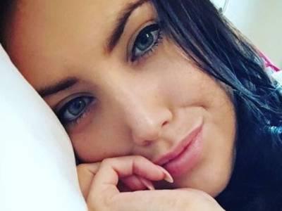 25 سالہ نوجوان لڑکی جسے ڈاکٹروں نے جینے کیلئے ایک ہفتے کا وقت دے دیا، جاتے جاتے ایسی آخری خواہش بتاگئی کہ پوری دنیا کو رُلادیا، جان کر آپ کیلئے بھی آنسو روکنا مشکل ہوجائے گا