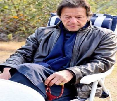 انگوٹھی کی طرح تسبیح بھی تحفے میں ملی ہے :عمران خان