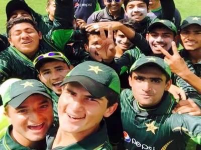 قومی انڈر 16 کرکٹ ٹیم کے ساتھ ہاتھ ہوگیا،ٹیم بغیر ٹرافی کے کراچی پہنچ گئی