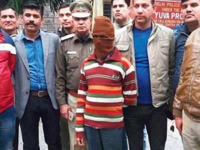 نئی دہلی : لڑکیوں کو جنسی زیادتی کا نشانہ بنانے والے درزی کی بیوی نے ملزم کیلئے سزائے موت کا مطالبہ کر دیا