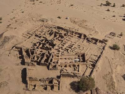 آثار قدیمہ کے ماہرین نے ایک ہزار سال پرانی قبر کھود ڈالی، اندر کیا چیز موجود تھی؟ دیکھ کر ہر شخص کانپ اُٹھا کیونکہ۔۔۔