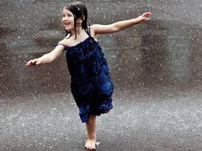 آج سے پنجاب ، سندھ ، خیبر پختونخوا سمیت بیشتر علاقوں میں بارشوں کا امکان ہے : محکمہ موسمیات