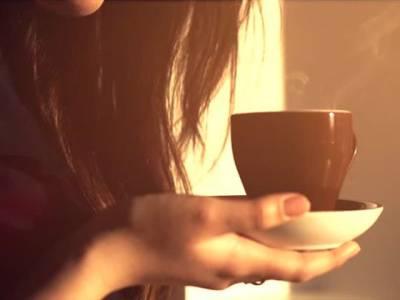 اگر 300 کپ کافی ایک ساتھ پی لی جائے تو کیا نتیجہ نکلتا ہے، اس لڑکی نے یہ کام کیا، پھر کیا ہوا؟ جان کر دنیا حیران پریشان رہ گئی