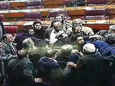 قومی اسمبلی، لڑائی کے ذمہ دار سابق وفاقی وزراءکے بیٹے اور بھائی نکلے