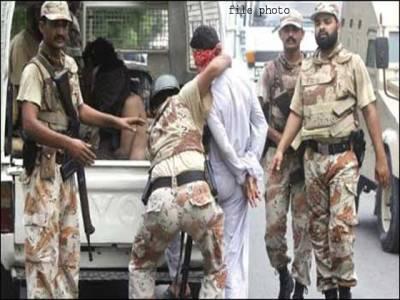 کراچی، رینجرزکی کارروائی تین ٹارگٹ کلرزسمیت پانچ ملزمان گرفتار