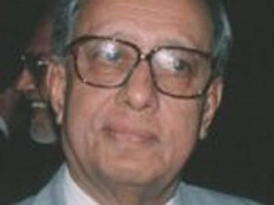 خط لکھنے والے قطری کو عدالت میں بلانا چاہیے،حکومت عدالتی معاملات میں مداخلت کرتی ہے:سابق چیف جسٹس سجاد علی شاہ