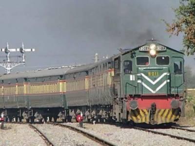 بصیر پور پھاٹک پر رکشہ ٹرین کی زد میں آنے سے 5افراد جاں بحق ، 1زخمی