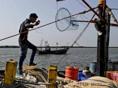 یمن میں10سال سے پھنسے 7 پاکستانی وطن واپس پہنچ گئے