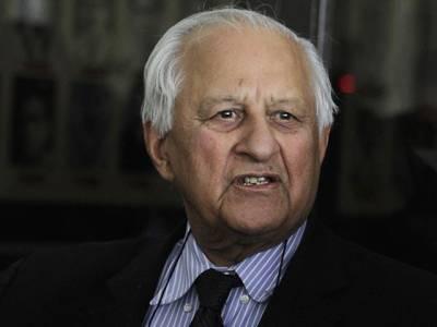 چیئرمین شہریا ر خان میڈیا سے گھبرا گئے،لاہور ایئر پورٹ پر خفیہ دروازے سے روانہ