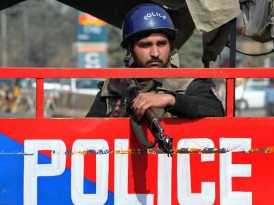 غازی آباد :پولیس کا گھر کے اندرمہندی کی تقریب پر حملہ،خواتین پر تشدد