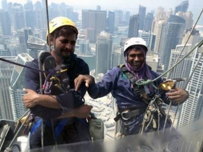 وہ سعودی کمپنی جس نے ایک ہی جھٹکے میں 70 ہزار غیرملکیوں کو نوکریوں سے نکال ڈالا