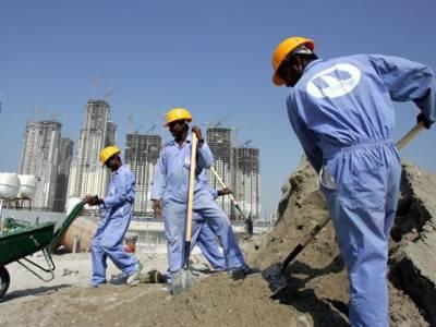 عرب دنیا کے کس ملک میں سب سے زیادہ غیر ملکی کام کرتے ہیں؟ جواب آپ کے اندازے غلط ثابت کردے گا