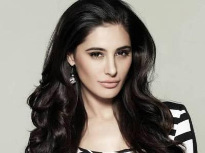 پی ایس ایل، پشاور زلمی اور کراچی کنگز کے فیصلہ کن میچ سے قبل معروف بھارتی اداکارہ میدان میں آگئی