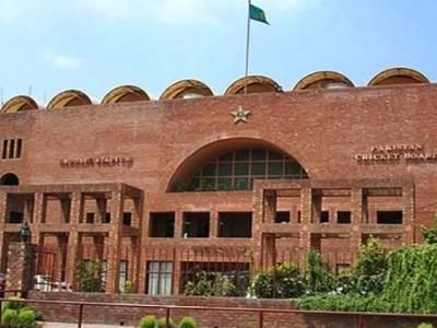پی سی بی کو لاہور میں بھی بکیز سے خطرہ،کھلاڑیوں کے فون کالز ٹیپ کرنے کا فیصلہ