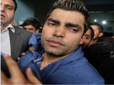 ایکسائز اور ٹریفک اہلکاروں کی بدتمیزی پر فوجی جوانوں نے مجھ سے ایکسکیوز کیا : کرکٹر عمر اکمل