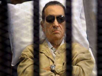 مظاہرین کے قتل عام کے الزام پر عمر قید، مصری عدالت نے حسنی مبارک کو بری کردیا