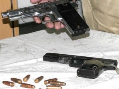 سیشن عدالت کے باہر 3 طالبعلموں کے بیگزسے اسلحہ برآمد ، پویس نے مقدمہ درج کر لیا