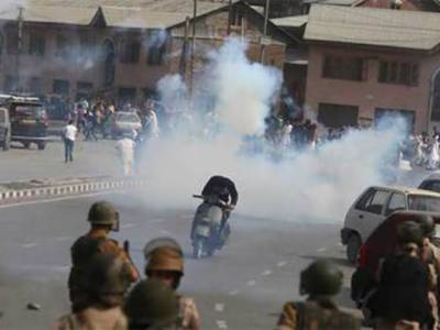 مقبوضہ کشمیر: بھارتی فوج نے مکان دھماکے سے اڑا دیا، 2 حزب کمانڈروں سمیت 5 مجاہدین کے شہید ہونے کی اطلاعات