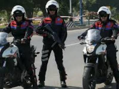 شناختی کارڈ نہ ہی فائنل میچ کے ٹکٹ ،پولیس نے کلمہ چوک سے 2مشکوک افراد کو حراست میں لے لیا