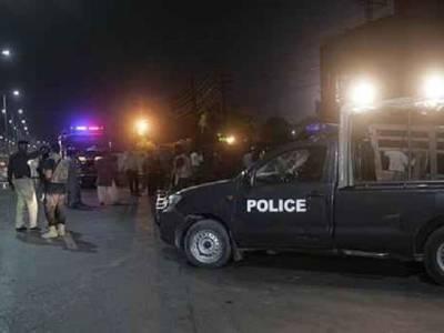 مختلف علاقوں میں سرچ آپریشن کے دوران ایک اشتہاری سمیت 70 افراد گرفتار , اسلحہ و منشیات بھی برآمد