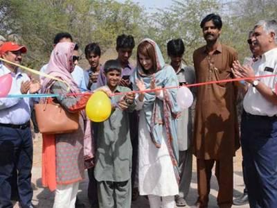 ریحام خان نے تھر پارکر میں مفت وائی فائی منصوبے کا افتتاح کر دیا