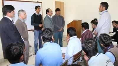 نیوٹیک کے سربراہ کا مختلف تکنیکی اداروں کا دورہ ،نوجوانوں کو زیادہ سے زیادہ عملی تربیت دے رہے ہیں:ذوالفقار چیمہ