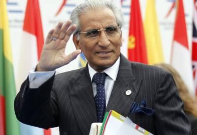 وزیر اعظم کے معاون خصوصی نے طویل چھٹیوں کی درخواست دے دی