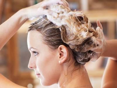 صحت مند بالوں کیلئے انہیں ہفتے میں کتنی مرتبہ دھونا چاہیے؟ ماہرین نے جواب دے دیا، ہمارے تمام اندازے غلط ثابت کردئیے
