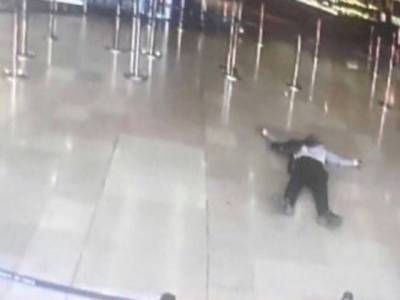 پیرس ائیرپورٹ پر حملہ کرنے والا دہشتگرد نہیں نشئی نکلا