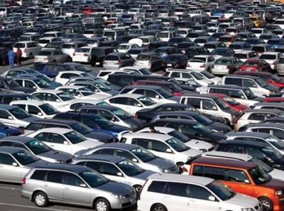 خبردار، ہوشیار۔۔۔! گاڑیوں کے ڈیلروں نے عوام کو لوٹنے کا نیا طریقہ ڈھونڈ لیا، اگر آپ بھی گاڑی خریدنے کا ارادہ رکھتے ہیں تو یہ خبر پڑھ لیں