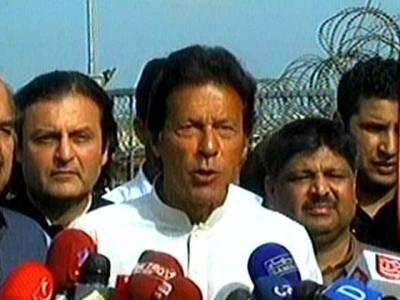عمران خان نے پانامہ کیس کا فیصلہ آنے کے بعد ایل این جی معاہدے کو چیلنج کرنے کا اعلان کردیا