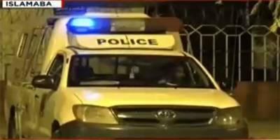 پولیس نے لال مسجد کو گھیرے میں لے لیا، رینجرز الرٹ