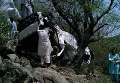 راولاکوٹ سے راولپنڈی جانے والی مسافر وین حادثے کا شکار ، 8افراد جاں بحق