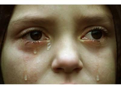 """""""میرے 8ٹیچر زمجھے 18مہینوں تک مسلسل جنسی درندگی کا نشانہ بناتے رہے جس کے باعث مجھے یہ بیماری ہو گئی اور پھر ۔۔۔"""" 13سالہ لڑکی نے ایسی داستان سنا دی کہ جان کر آپ کیلئے آنسو روکنا مشکل ہو جائے گا"""