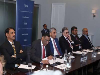 پاکستان امن پسند ملک، بھارت کے ساتھ کشمیر سمیت تمام تنازعات حل کرنا چاہتا ہے: جنرل قمر جاوید باجوہ