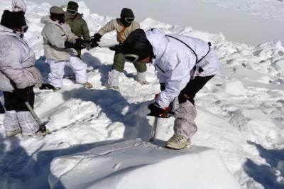مقبوضہ کشمیر میں برفانی تودے تلے دب کر 3بھارتی فوجی ہلاک ہوگئے