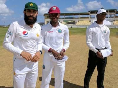 پریکٹس میچ، احمد شہزاد کی عمدہ نصف سنچری، پاکستان نے 4 وکٹوں پر 129 رنز بنا لئے، مزید 290 رنز کا خسارہ باقی