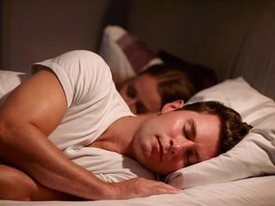 'جب سو کر اُٹھیں تو ہمیشہ بستر کی اس طرف سے باہر نکلیں ورنہ۔۔۔' سائنسدانوں نے ناقابل یقین انکشاف کردیا، اُٹھنے کے بعد بیڈ کی بائیں جانب سے باہر نکلنے کا صحت کیلئے ایسا فائدہ بتادیا کہ ہر کوئی دنگ رہ گیا