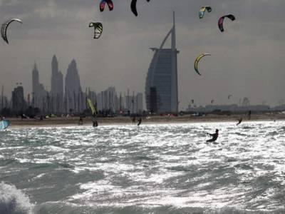 آئندہ ہفتے متحدہ عرب امارات میں تیز ہوائیں ،ریت کے طوفان اور سمندری لہروں کا خدشہ ہے : یو اے ای محکمہ موسمیات