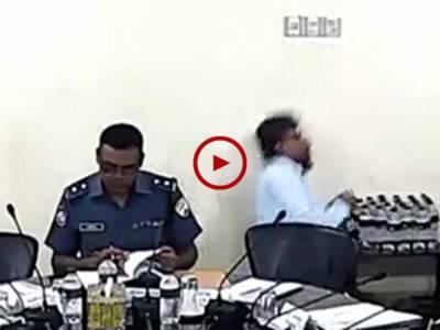 زندگی موت کی امانت ہے۔ اس ویڈیو میں دیکھیں جب انسان کا وقت پورا ہو جاتا ہے تو پھر ایک سیکنڈ کی بھی مہلت نہیں ملتی۔ ویڈیو: مقصود احمد۔ ڄام شورو-سندھ