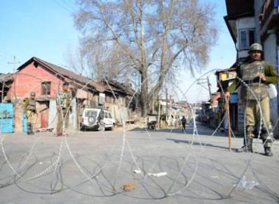 مقبوضہ کشمیر میں بھارتی پولیس اہلکاروں پر حملہ ،ایک اہلکار ہلاک ،جواب میں اہلکاروں نے تین نہتے کشمیریوں کو جاں بحق کردیا