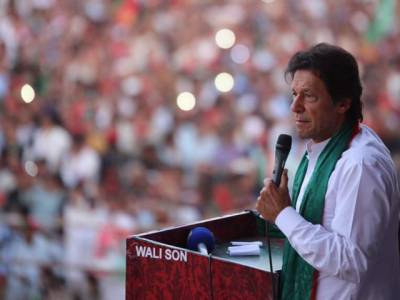 پاکستان میں کمپنیوں کی حکومت ، سیاست دان امیر اور قوم غربت کی دلدل میں دھنس رہی ہے: عمران خان